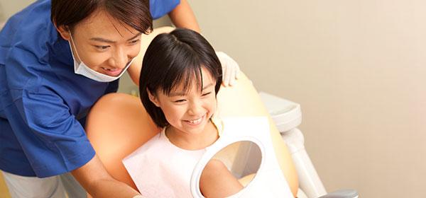 歯科医と子供